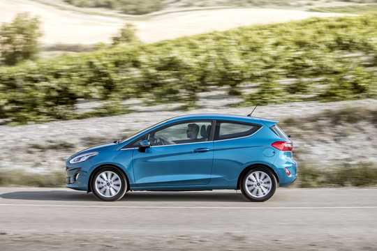 Side  of Ford Fiesta 3-door 2018