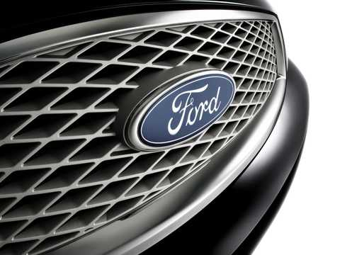 Close-up of Ford Five Hundred 2005