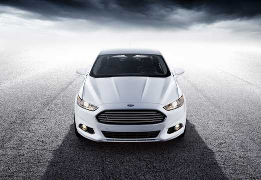 Front  of Ford Fusion 2013