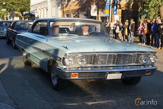 Front/Side  of Ford Galaxie 500 4-door Hardtop 4.7 V8 Automatic, 198ps, 1964 at Umeå Wheels Nations Norr 2019