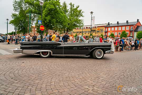 Side  of Ford Galaxie Sunliner 4.8 V8 Automatic, 203ps, 1959 at Nässjö Cruising 2019