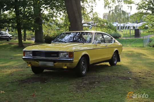 Front/Side  of Ford Granada Coupé 2.3 V6 Manual, 108ps, 1976 at Bil & MC-träffar i Huskvarna Folkets Park 2019 Amerikanska fordon