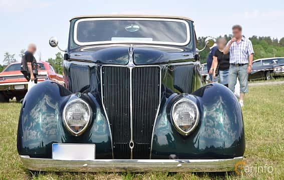 Fram av Ford Model 68 Cabriolet 3.6 V8 Manual, 86ps, 1936 på Power America Fest, Nossebro 2016