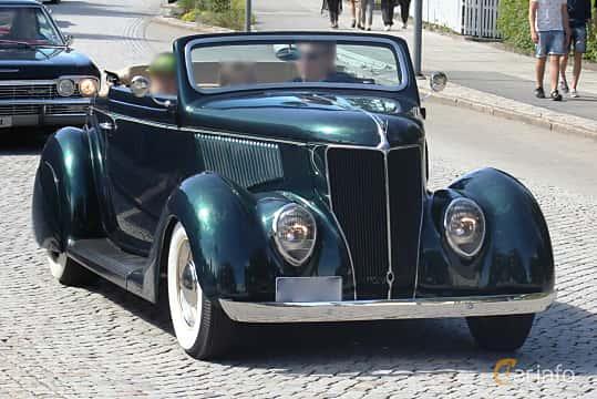 Fram/Sida av Ford Model 68 Cabriolet 3.6 V8 Manual, 86ps, 1936 på Cruising Lysekil 2016