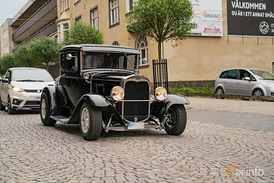 Front/Side  of Ford Model A Coupé 3.3 Manual, 41ps, 1930 at Nässjö Cruising 2019
