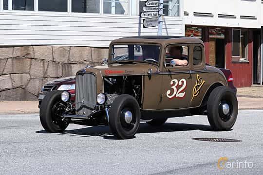 Fram/Sida av Ford Model B Sport Coupé 3.3 Manual, 51ps, 1932 på Cruising Lysekil 2019