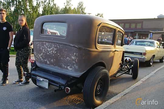 Back/Side of Ford Model B Tudor Sedan 3.3 Manual, 51ps, 1932 at Onsdagsträffar på Gammlia Umeå 2019 vecka 35