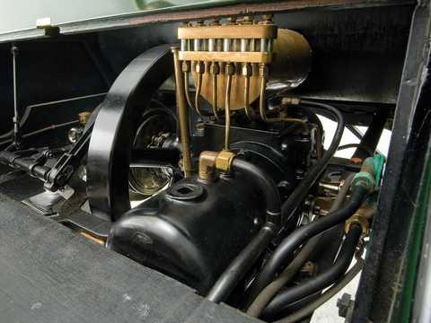 Engine compartment  of Ford Model F 2.1 Manual, 16hp, 1905