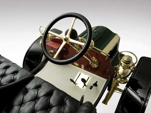 Interior of Ford Model F 2.1 Manual, 16hp, 1905