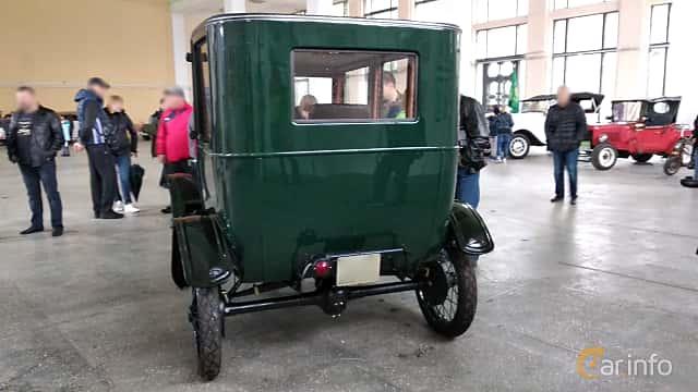 Back of Ford Model T Fordor Sedan 2.9 Manual, 20ps, 1923 at Old Car Land no.2 2018