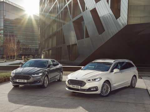 Front/Side  of Ford Mondeo Combi Hybrid 2.0 Ti-VCT CVT, 187hp, 2019