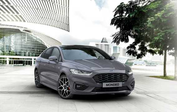 Front/Side  of Ford Mondeo 2019