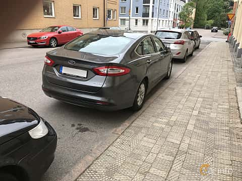 Back/Side of Ford Mondeo Hybrid 2.0 Ti-VCT CVT, 187ps, 2015