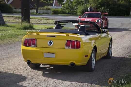 Back/Side of Ford Mustang GT Convertible 4.6 V8 Automatic, 304ps, 2005 at Tisdagsträffarna Vikingatider v.25 / 2017