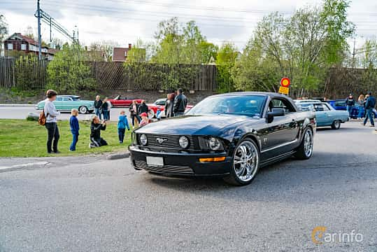 Front/Side  of Ford Mustang GT Convertible 4.6 V8 Automatic, 304ps, 2005 at Vårcruising Järna 2019