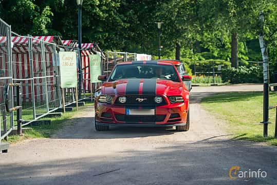 Front  of Ford Mustang GT 5.0 V8 Manual, 426ps, 2014 at Ronneby Nostalgia Festival 2019
