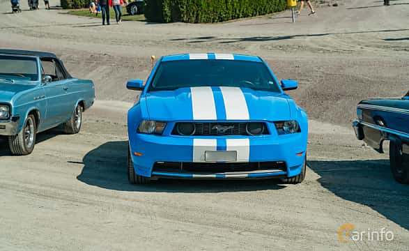 Front  of Ford Mustang GT 4.6 V8 Automatic, 320ps, 2010 at Stockholm Vintage & Sports Car meet 2019