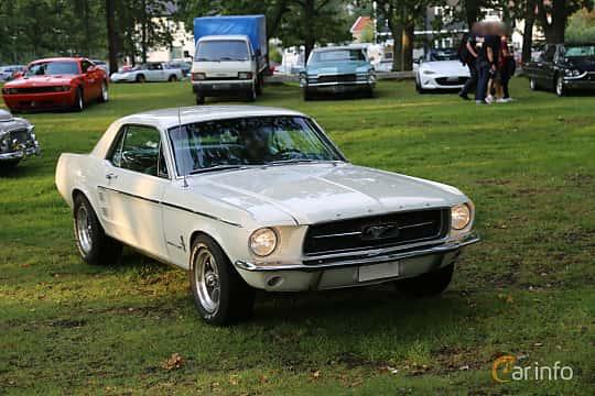 Front/Side  of Ford Mustang Hardtop 4.7 V8 Manual, 203ps, 1967 at Bil & MC-träffar i Huskvarna Folkets Park 2019 Amerikanska fordon