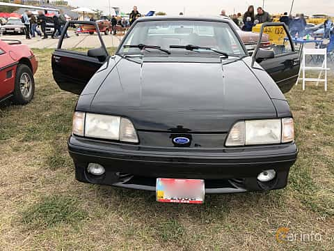 Front  of Ford Mustang GT Hatchback 5.0 V8 208ps, 1993 at Old Car Land no.2 2019