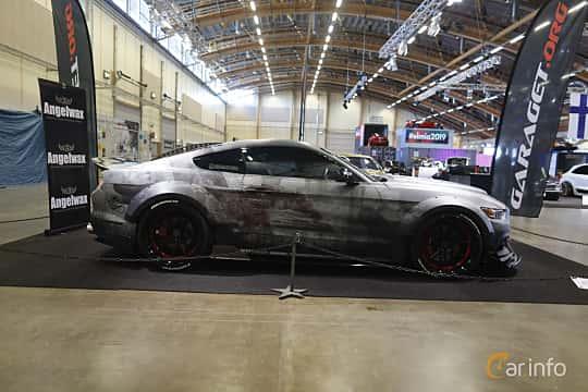 Sida av Ford Mustang GT 5.0 V8 SelectShift, 421ps, 2016 på Bilsport Performance & Custom Motor Show 2019