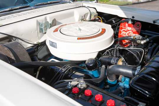Engine compartment  of Ford Ranchero Custom 5.8 V8 Manual, 305hp, 1958