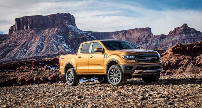 Front/Side  of Ford Ranger SuperCrew 2.3 EcoBoost 4x4 Automatic, 274hp, 2019