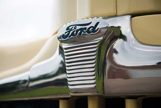 Close-up of Ford Super Deluxe Convertible Club Coupé 3.9 V8 Manual, 102hp, 1947