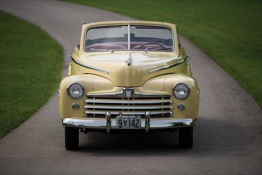 Front  of Ford Super Deluxe Convertible Club Coupé 3.9 V8 Manual, 102hp, 1947