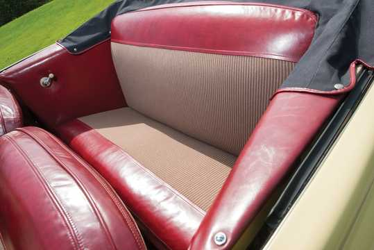 Interior of Ford Super Deluxe Convertible Club Coupé 3.9 V8 Manual, 102hp, 1947
