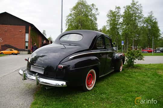 Back/Side of Ford Super Deluxe Sedan Coupé 3.9 V8 Manual, 102ps, 1946 at Onsdagsträffar på Gammlia Umeå 2019 vecka 23