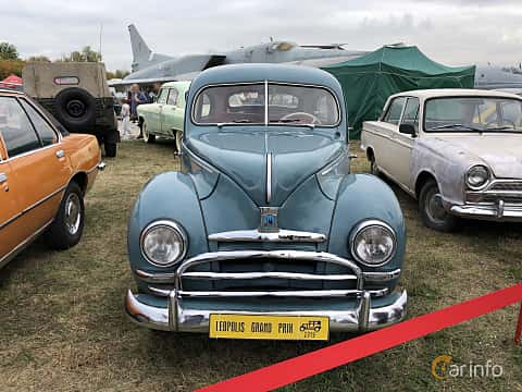 Front  of Ford Taunus Limousine 1.2 Manual, 34ps, 1951 at Old Car Land no.2 2019