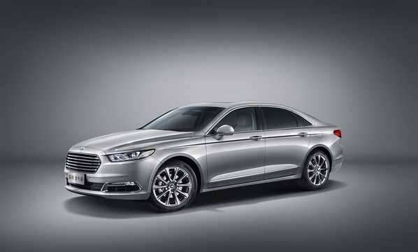 Front/Side  of Ford Taurus EcoBoost 325 2.7 V6 EcoBoost Automatic, 325hp, 2016