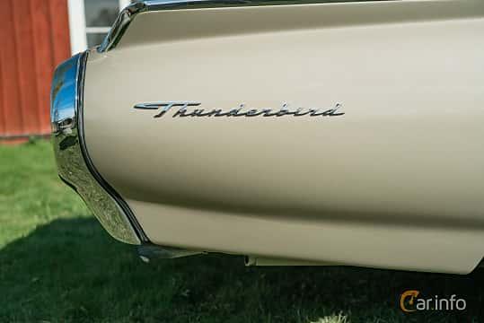 Close-up of Ford Thunderbird Convertible 6.4 V8 Automatic, 305ps, 1963 at Lissma Classic Car 2019 vecka 20