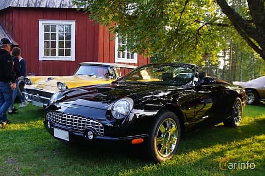Front/Side  of Ford Thunderbird Convertible 3.9 V8 Automatic, 256ps, 2002 at Onsdagsträffar på Gammlia Umeå 2019 vecka 35
