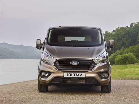 Front  of Ford Tourneo Custom 2018