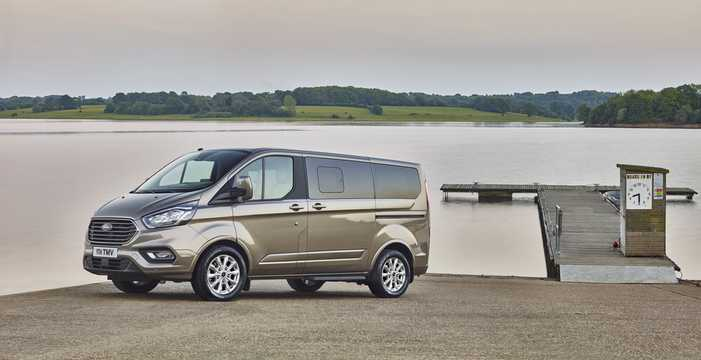 Front/Side  of Ford Tourneo Custom 2018