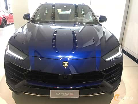 Front of Lamborghini Urus 4.0 V8 AWD Automatic, 650ps, 2019