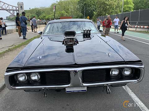 Front  of Dodge Charger Hardtop 7.2 V8 284ps, 1973 at Father's Day Classic Car Show New York 2019