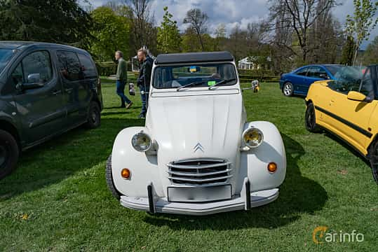 Front  of Citroën 2CV 0.4 Manual, 16ps, 1970 at Fest För Franska Fordon  på Taxinge slott 2019