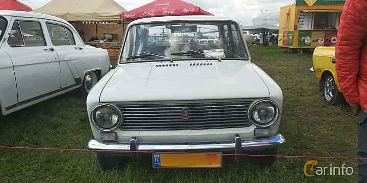 Front  of VAZ 2101 1.2 Manual, 64ps, 1978 at Old Car Land no.1 2019