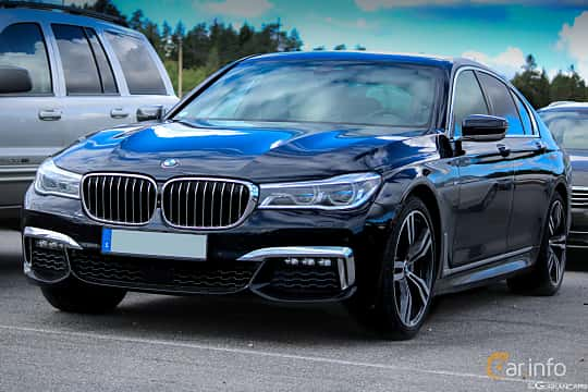 Front/Side  of BMW M760Li xDrive 6.6 V12 xDrive Steptronic, 610ps, 2016