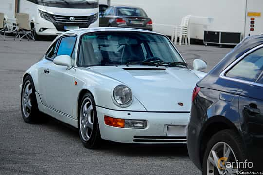 Front/Side  of Porsche 911 1989