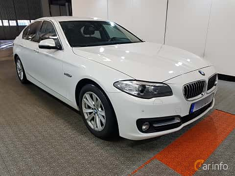 Front/Side  of BMW 520d xDrive Sedan 2.0 xDrive Steptronic, 190ps, 2016