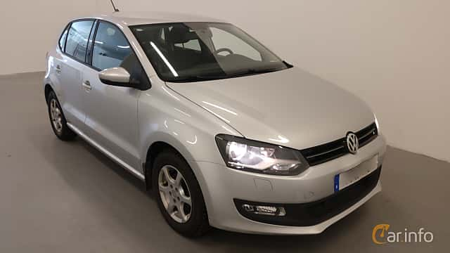 Front/Side  of Volkswagen Polo 5-door 1.2 TSI BlueMotion Manual, 90ps, 2014
