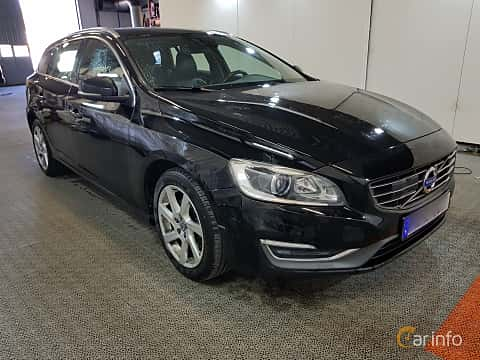 Front/Side  of Volvo V60 2.0 D4 Geartronic, 181ps, 2015