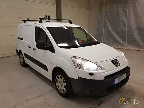 Front/Side  of Peugeot Partner Van 1.6 HDi Manual, 90ps, 2009
