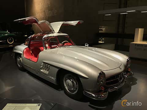 Front/Side  of Mercedes-Benz 300 SL  Manual, 215ps, 1955