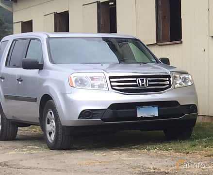 Front/Side  of Honda Pilot 3.5 VTEC 4WD Automatic, 250ps, 2013
