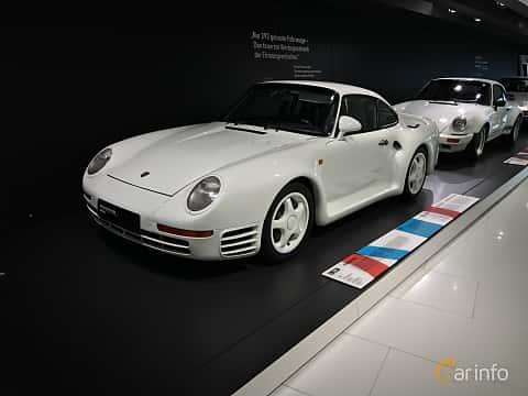 Fram/Sida av Porsche 959 2.8 4 Manual, 450ps, 1988