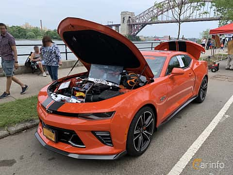 Front/Side  of Chevrolet Camaro SS 6.2 V8 Hydra-Matic, 461ps, 2018 at Father's Day Classic Car Show New York 2019
